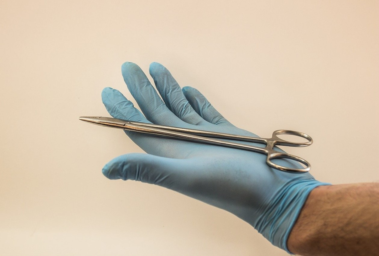 Thomas Le Carrou à Dinan explique ce qu'est un chirurgien Orthopédiste et Traumatologie